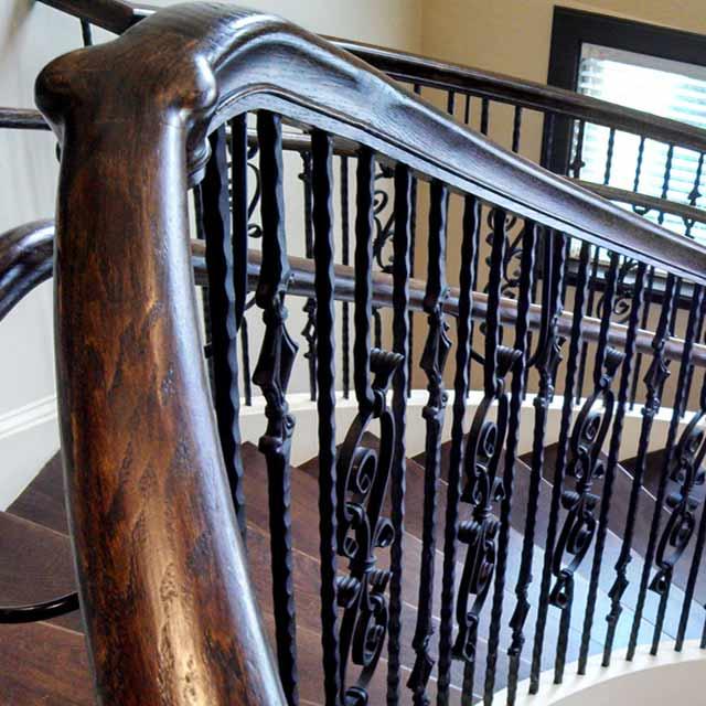 Поручни деревянные для лестниц